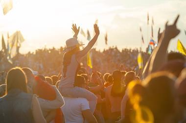 Musik-Festival besuchen