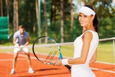 Freizeitaktivitäten für Paare   Tennis spielen
