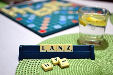 Freizeitaktivitäten für Paare   Scrabble spielen