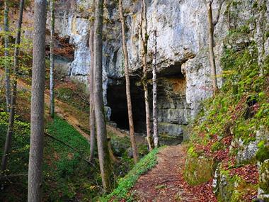 Höhle erkunden